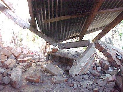 Erős földrengés rázta meg Japánt, egyméteres szökőártól tartottak