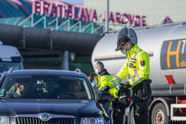 Hiába voltak rendben az iratai, teszt nélkül nem engedték be az országba a szlovák kamionost Horvátjárfalunál