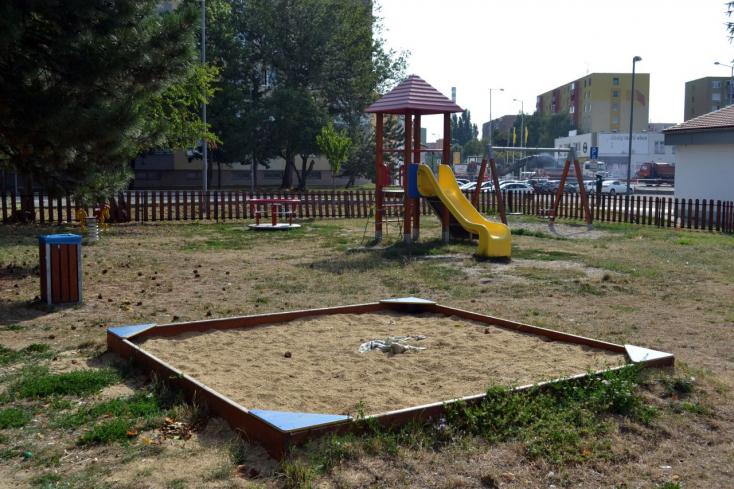 Drogügyben csapott le a rendőrség a dunaszerdahelyi játszótéren