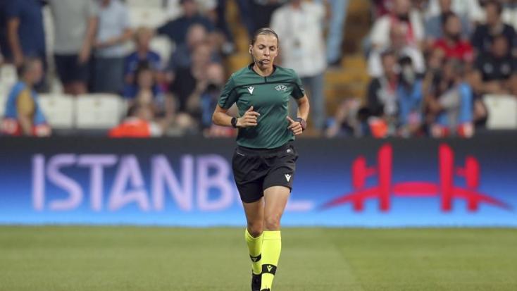 Először fújja a sípot női játékvezető a Bajnokok Ligájában