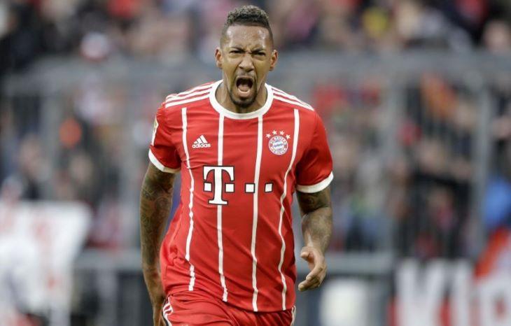 Boateng megvédené a Bayernnel mind az öt megnyert trófeát