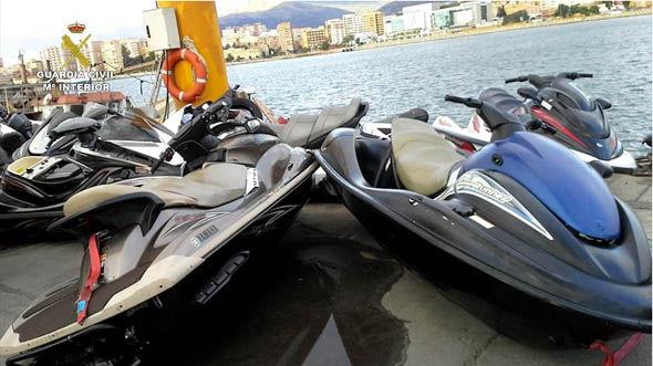 10 ezer eurót kaszáltak körönként a jet ski-s embercsempészek