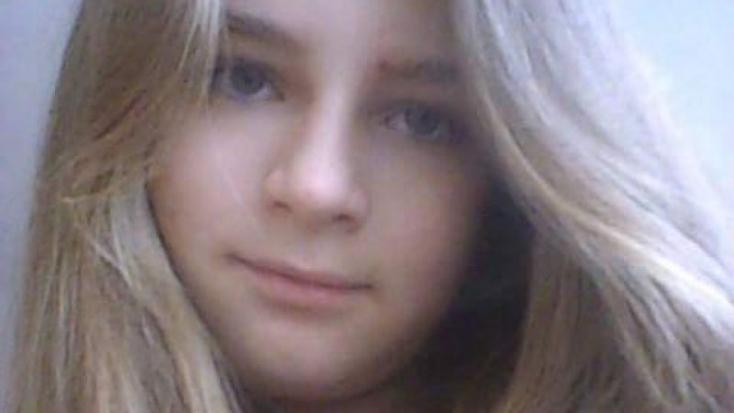 Iskolába menet tűnt el egy 13 éves lány