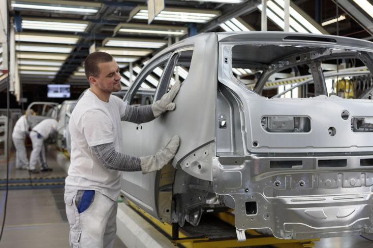 Több mint 500 embert alkalmazna a pozsonyi Volkswagen – ilyen feltételeket kínálnak