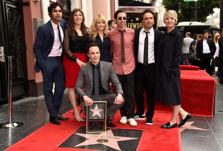 Megházasodott Sheldon, az Agymenők meleg sztárja