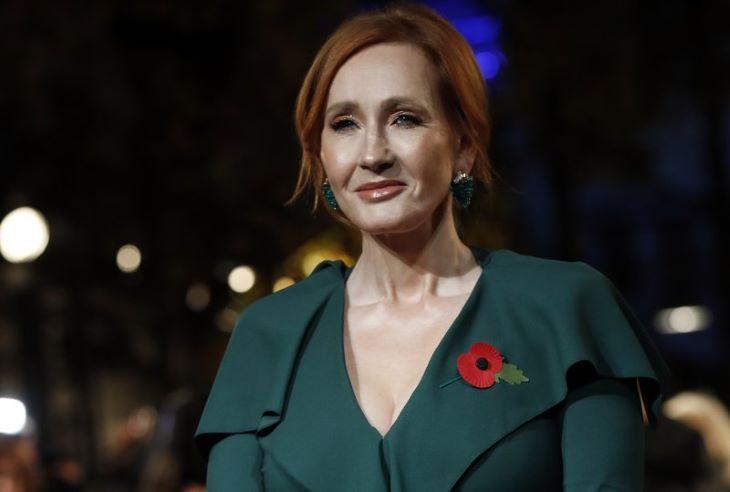 J.K. Rowling új krimije a brit toplista élén