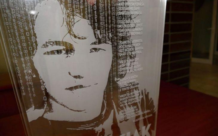 Az ellenzéki képviselők a parlamentben emlékeztek meg Kuciak haláláról