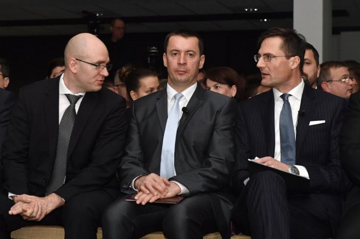 Jobbik-elnök: Gátlástalanul gonosz, mindenre elszánt szolgahadak rabolják országunkat...!