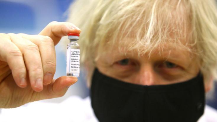 Boris Johnson száz napra csökkentené az új vakcinák kifejlesztésének időtartamát