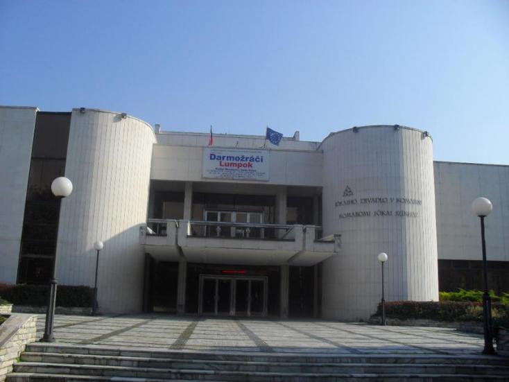 Kis felvidéki magyar színházi abortusz