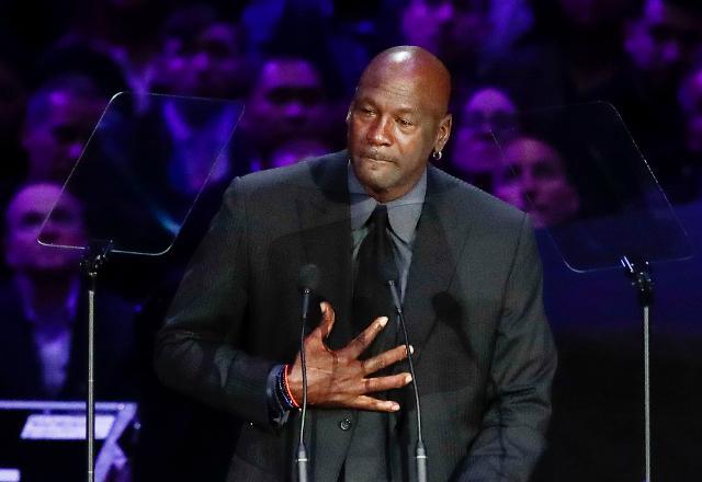 Michael Jordan százmillió dollárt adományoz a rasszizmus elleni küzdelemre