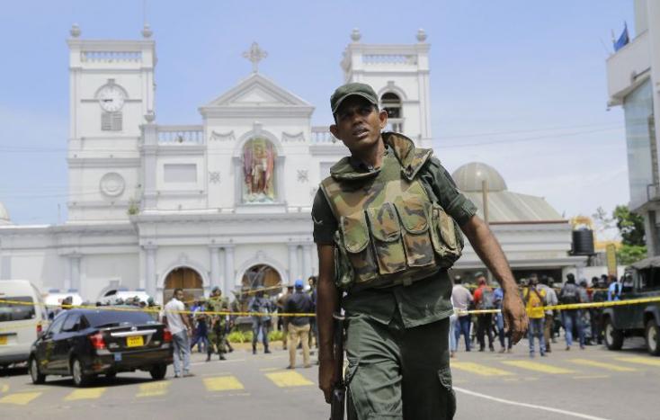 Srí Lankán lekapcsolták a közösségi portálokat a muzulmánellenes erőszakhullám miatt