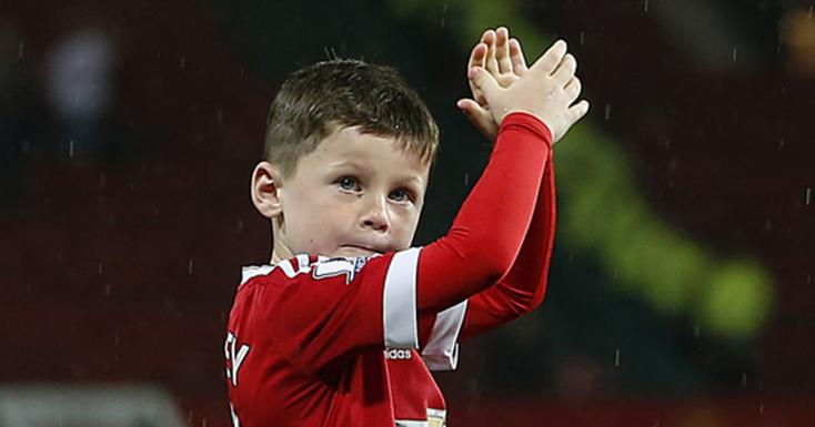 AManchester Unitedhez szerződöttWayne Rooney fia