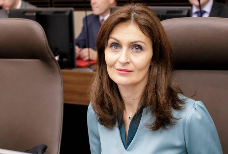 Andrea Kalavská felajánlotta lemondását!