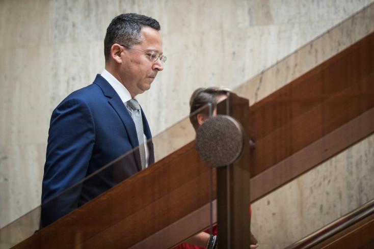 Nem lesz kiegyenlített a költségvetés – jóváhagyta a kormány a jövő évi büdzsét