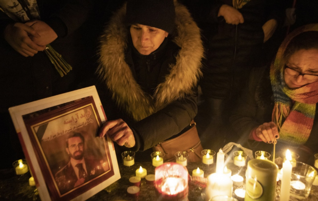 Ezrek emlékeztek Kanadában a lelőtt ukrán gépen utazó kanadai áldozatokra