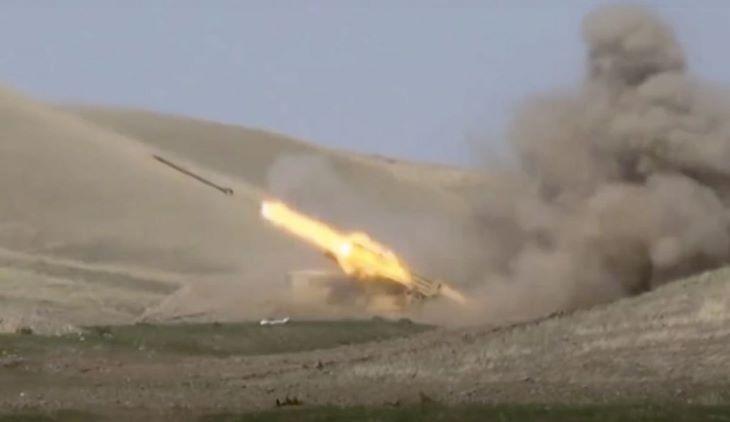 Nem csillapodik az összecsapások hevessége az örmény és az azeri erők között