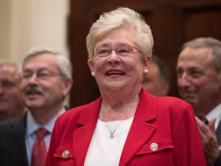 Az USA legszigorúbb abortusztörvényét írta alá Alabama kormányzója