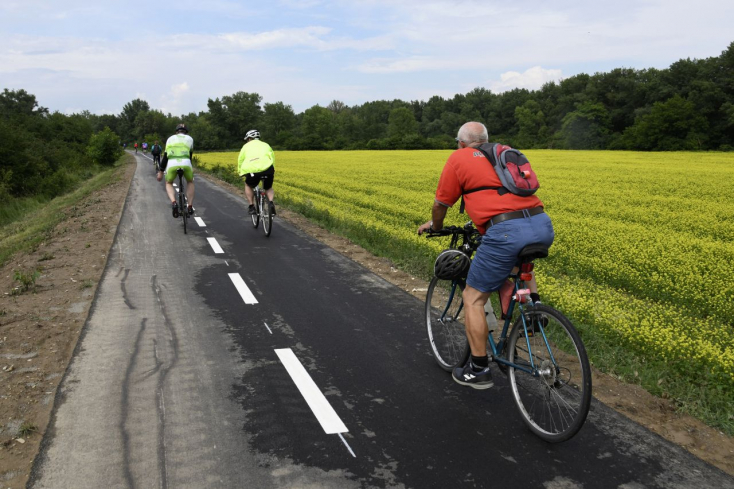 Nádszegtől Felsőszelin és Eperjesen át Taksonyig kerékpárút köthet össze kilenc falut
