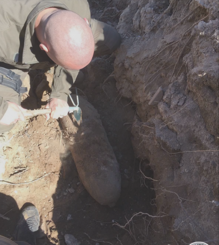 Világháborús bombát talált ásás közben egy férfi Kőhídgyarmaton–VIDEÓ