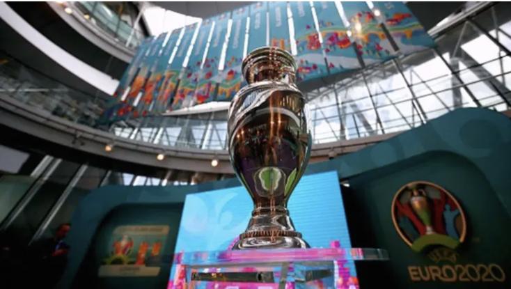 Bilbao helyett Sevilla, Dublin helyett Szentpétervárleszházigazdája a nyári labdarúgó Európa-bajnokságnak