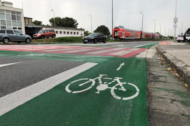 Három irányba már kerékpárúton biciklizhetünk ki Dunaszerdahelyről, és lesz még néhány