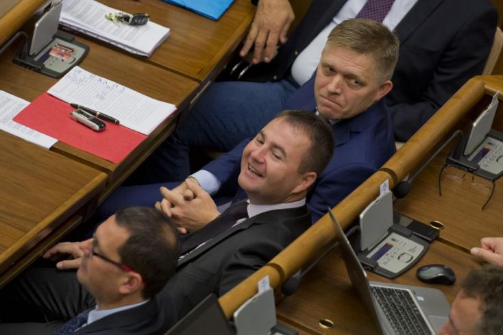 Úri muri: Leváltják a Smer pártigazgatóját!