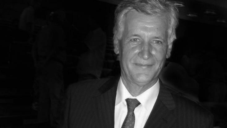 Elhunyt a komáromi Selye János Gimnázium legendás matematikatanára