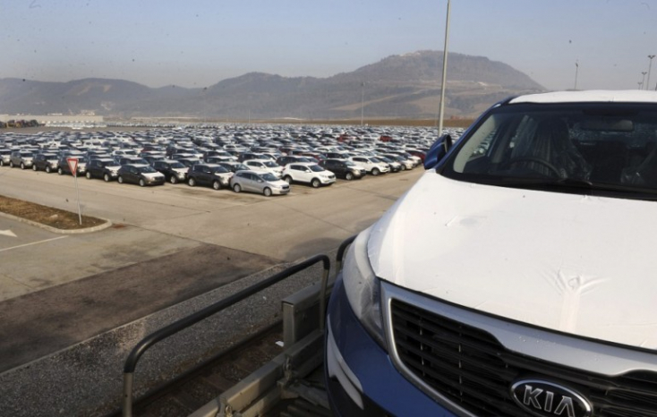 A fuvarozók sztrájkja miatt korlátozni kell az üzemi termelést a Kia autógyárban