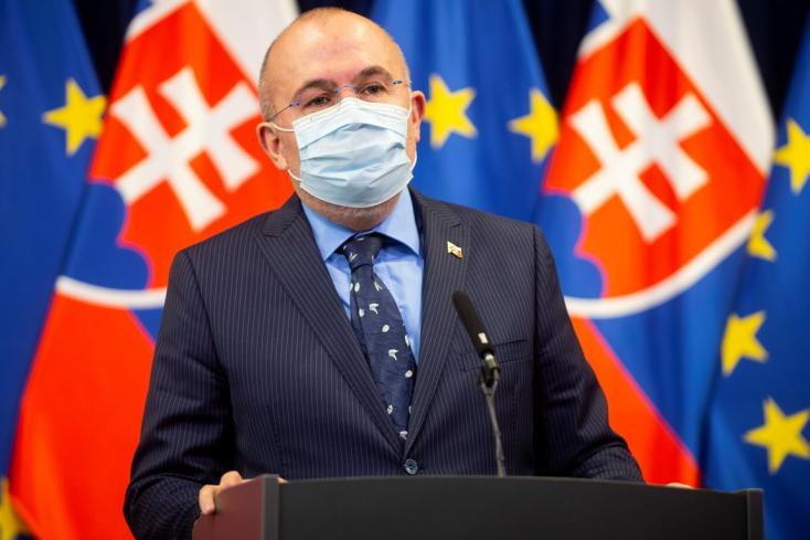 """""""Kočner se csinálta volna jobban"""" - egy szlovák diplomata arról, hogyan vett Kajetán Kičura maszkot ötszörös áron"""