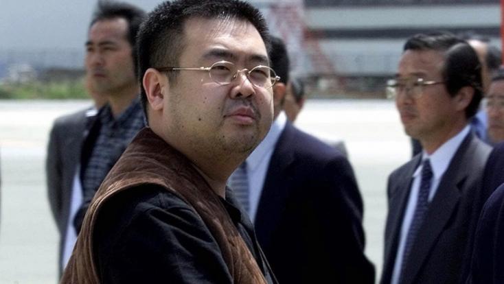 Egy gyanúsítottat szabadon engedtek Kim Dzsong Un féltestvérének meggyilkolása ügyében
