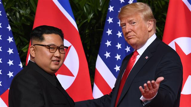 Észak-Korea vezetője meghívta az amerikai elnököt Phenjanba