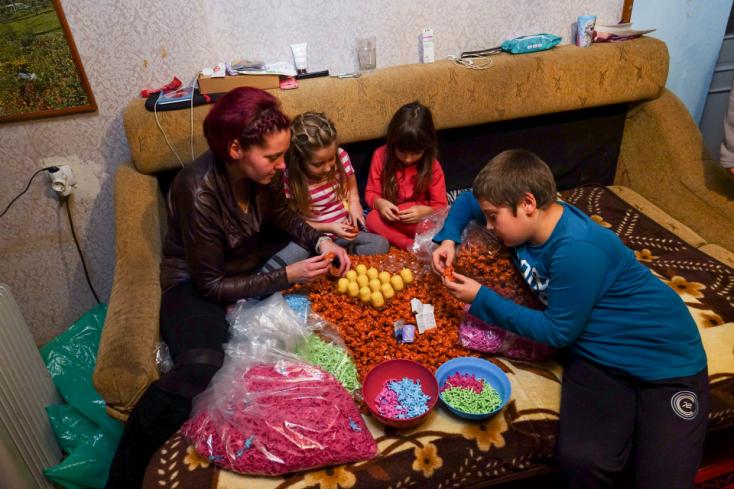 Illegális gyerekmunkával készülnek a Kinder-tojások? Méghozzá Erdélyben?