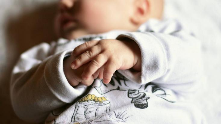 Kislány lett Magyarországon az újév első babája
