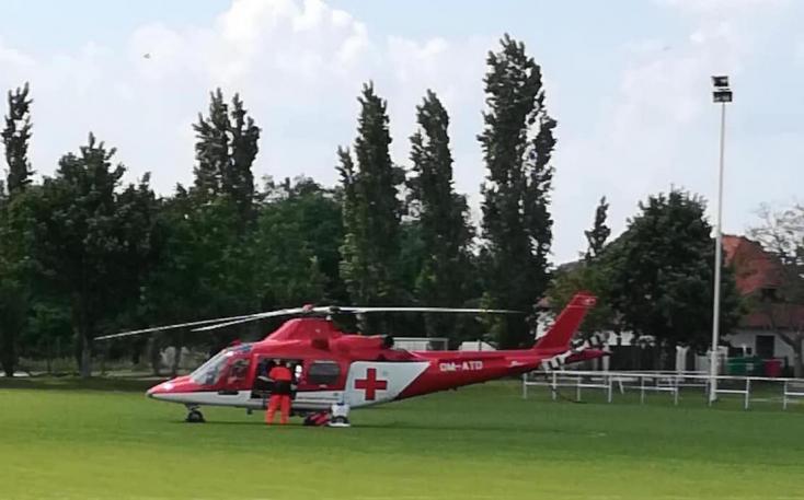 Medencébe esett egy gyerek Kisudvarnokon, mentőhelikoptert kellett hívni!