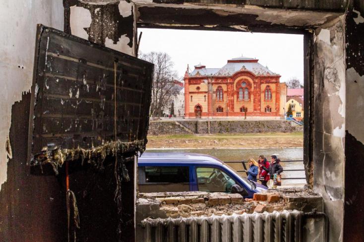 Oroszbarát idióták gyújthatták fel az ungvári magyarok székházát