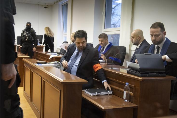 Ilyen még nem volt:Kočner ésa gyengélkedő Rusko is megjelent a bíróságon
