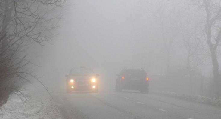 Sűrű köd nehezítheti a közlekedést - a meteorológiai intézet óvatosságra int