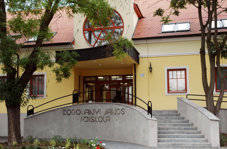 A Kodolányi János Főiskola tájékoztató napja a dunaszerdahelyi Neratovicei téri Magyar Tannyelvű Magán Szakközépiskolában.