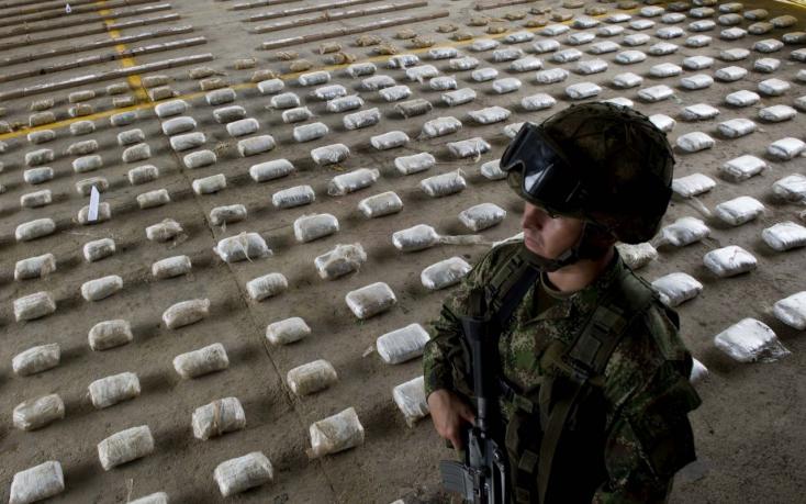 Évente 45 tonna kokaint csempészett Európába az a hálózat, melynek most 45 tagját elkapták