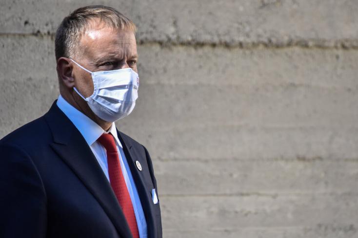 A koalíciós pártok vezetői az egészségügyi miniszter lehetséges lemondásáról beszélnek