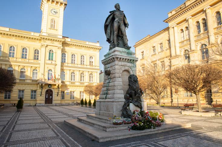Dunaszerdahelytől Komáromon át Királyhelmecig 11 polgármester kéri, hogy nyissák meg a magyar határt is!