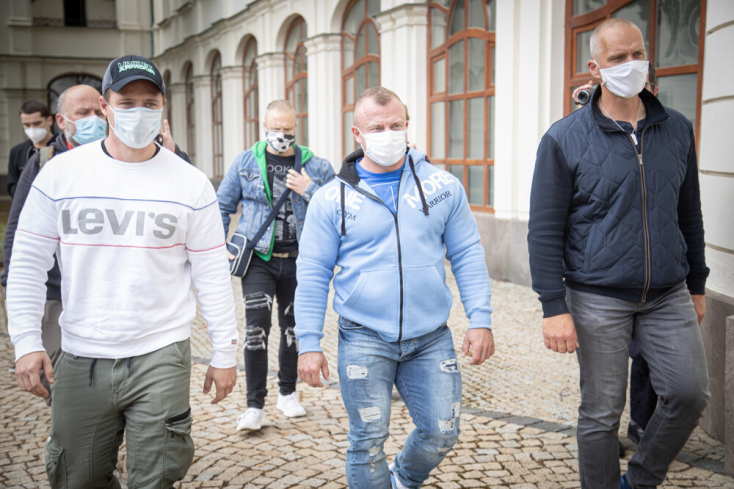 Nem kaptak 100 napot sem Matovičék, a kormány és az államfő menesztését követelték a tüntetők Pozsonyban