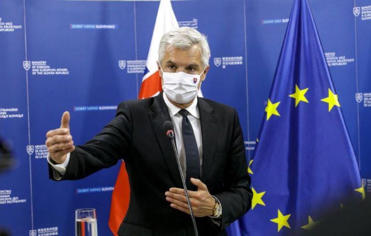 Korčok szerint nem biztos, hogy kap COVID-Pass-t, aki Szputnyikkal oltatja magát, a külügyminiszter hibrid fegyvernek tartja az orosz vakcinát
