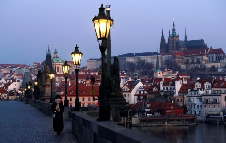 Koronavírus - Csehországban ismét eszeveszett mértékben megugrott a fertőzöttek száma!