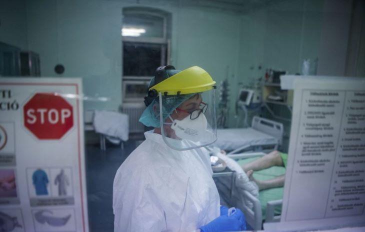 633 fővel emelkedett a beazonosított fertőzöttek száma és elhunyt 8 krónikus beteg Magyarországon