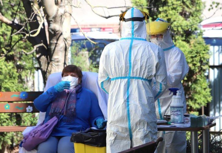 Meghalt 6 beteg és 3713-ra emelkedett a koronavírus-fertőzöttek száma Magyarországon