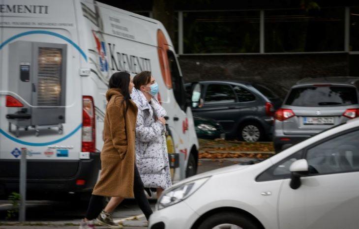 Szlovéniában lakhelyelhagyási tilalmat vezetnek be