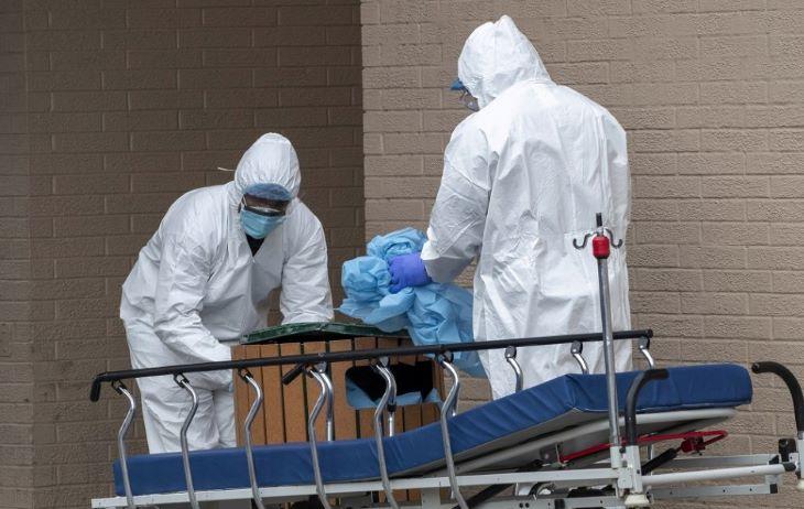 A koronavírus-járvány eddig csaknem háromezer halottat követelt New York államban