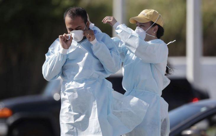 Az Egyesült Államokban 57 ezer új koronavírus-fertőzést diagnosztizáltak hétfőn